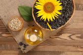 Tournesol, de graines et d'huile de tournesol — Photo