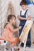 Pequenos artistas — Foto Stock