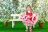 маленькая девочка в красивом платье — Стоковое фото