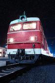 Locomotive at platform — Stock Photo