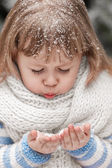 Little girl in a winter sunny day — Foto Stock