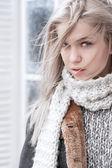 Sıcak fularlı kız — Stok fotoğraf