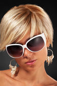 Woman in sunglasses — Stock Photo