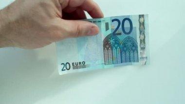 Currency exchange — Vidéo