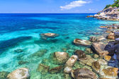 Beautiful sea on tropicla island with crystal clear water — Stock Photo