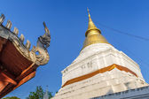 Golden pagoda in Thai temple — Foto Stock