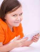 Ragazza usando tablet — Foto Stock