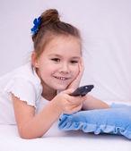 Dziewczyna oglądając tv — Zdjęcie stockowe