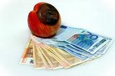苹果和钱 — 图库照片