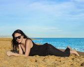 Beautiful Brunette On Beach — 图库照片