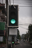 Green light on the road — Foto de Stock