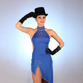 Burlesque dancer with red blue dress for latina dance — Stock Photo