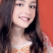 Portrait of smiling young girl. — Stock Photo