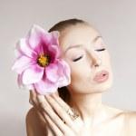 Beauty portrait of sensual pretty lady. — Stock Photo