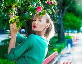 Retrato de mulher loira bonita. — Foto Stock