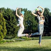 Two pretty girls posing — Stock Photo