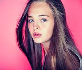 Beauty portrait of young teenage girl — Stock Photo