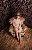Romantic blonde woman posing — Stock Photo