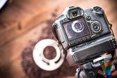 Câmera digital, tirar foto de café — Fotografia Stock