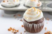Chocolate Butterfinger Cupcakes — Stock fotografie