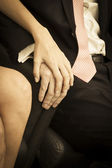 Hands of the groom and bride — Stockfoto