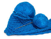 Blue yarn ball and crochet hook — Stok fotoğraf