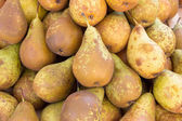 Pears at a market — Stock Photo