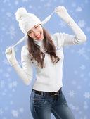 Beautiful girl in winter hat. — Stock Photo