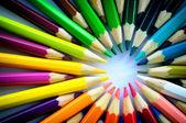 Matite colorate disposte — Foto Stock