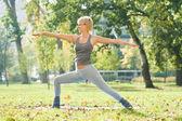 Yoga Virabhadrasana — Stockfoto