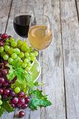 Zielonych i czerwonych winogron — Zdjęcie stockowe