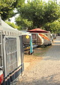 Caravans with tent on Italian camping ground — Стоковое фото