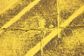 Použité textury s žlutými pruhy na asfaltu — Stock fotografie
