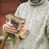 Muž se sekyrou — Stock fotografie