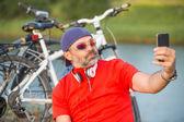 Happy male cyclist — Stok fotoğraf