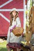 симпатичный свитер девушка — Стоковое фото