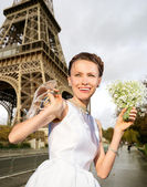Happy bride in Paris — Stock Photo