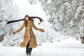Dziewczyna piękna zima — Zdjęcie stockowe