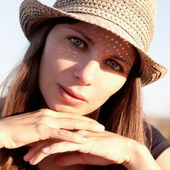 Face woman with hat — Stok fotoğraf