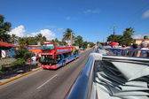 Varadero Beach Tour Bus — Stock Photo