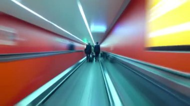Rush hour underground tunnel — Stock Video