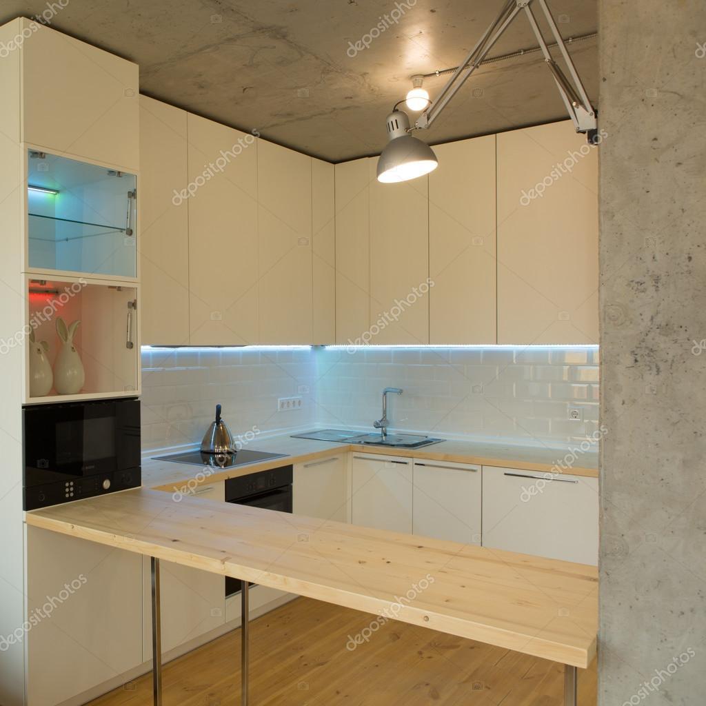 Moderna ed elegante cucina bianco — foto stock © sarymsakov #43521445