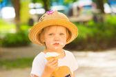 Cute Toddler Girl Eating Ice-Cream — Stock Photo