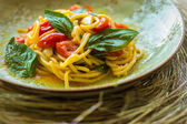 Homemade pasta with Basil and tomatoes — Stock Photo