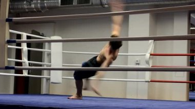 Breakdance in the ring — Stock Video