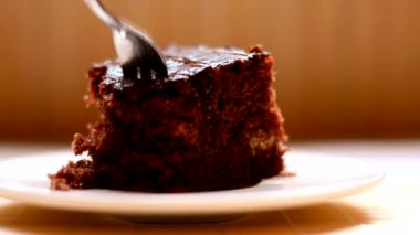 Brown domestic cake — Vídeo Stock