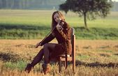 Girl playing the violin — Photo