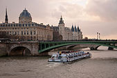 The river Seine and the Conciergerie in Paris  — Stock Photo