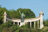 Monument voor bisschop gellert. budapest, hongarije — Stockfoto