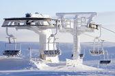 Skidlift täcks av snö — Stockfoto